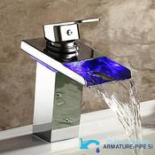 Slap pipa za kopalnico EYN 206 | Nov dizajn kopalniške armature za enojni umivalnik (Ostale lastnosti: LED osvetlitev)