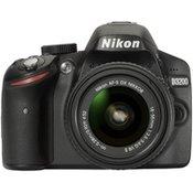 NIKON digitalni fotoaparat D3200 + 18-55 VR II, crni