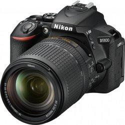 NIKON DSL-R fotoaparat D5600 +objektiv 18-140 AF-S VR