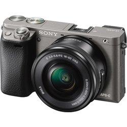 SONY digitalni fotoaparat Alpha A6000 ILCE-6000L 16-50mm, granitno siv